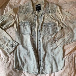 American Eagle denim button up • size medium